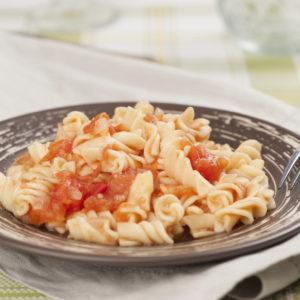 Mozzarella-Tomatensoße zu Fussili