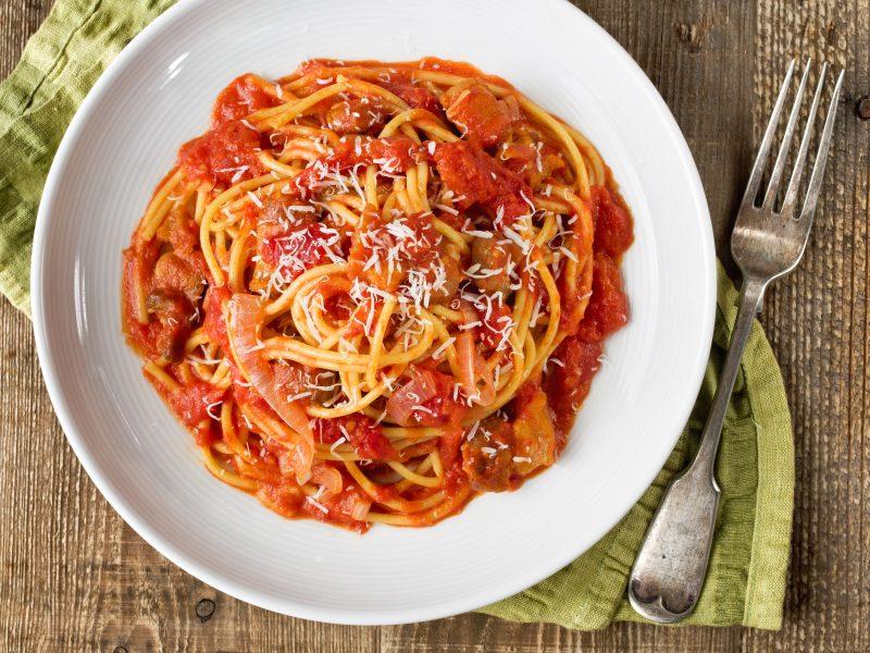 Spaghetti all'amatriciana - scharfe Specksoße