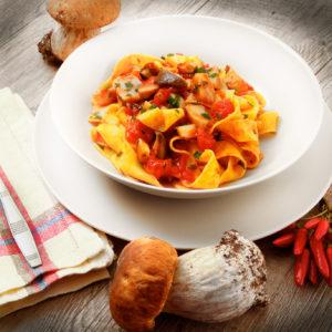 so en mit pilzen pastaweb ber 600 rezepte f r nudeln pastasaucen und antipasti. Black Bedroom Furniture Sets. Home Design Ideas