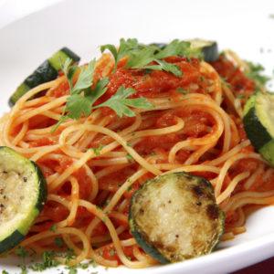 Zucchini-Tomatensoße zu Spaghetti