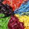 Bunt gefärbte Nudeln