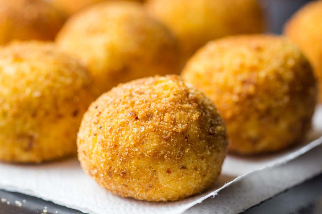 Gefüllte Reiskugeln - Arancini alla siciliana