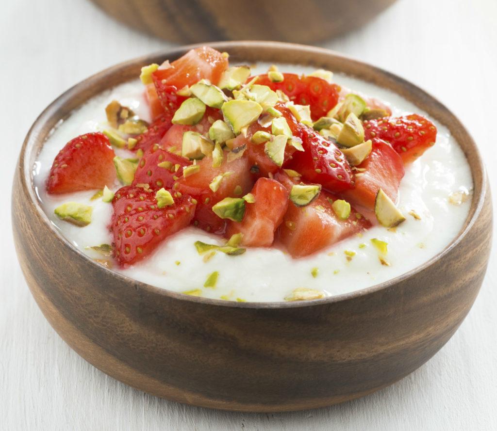 Erdbeeren mit Marzipancreme