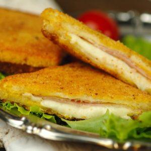 Mozzarella in carrozza – Ausgebackener Mozzarella