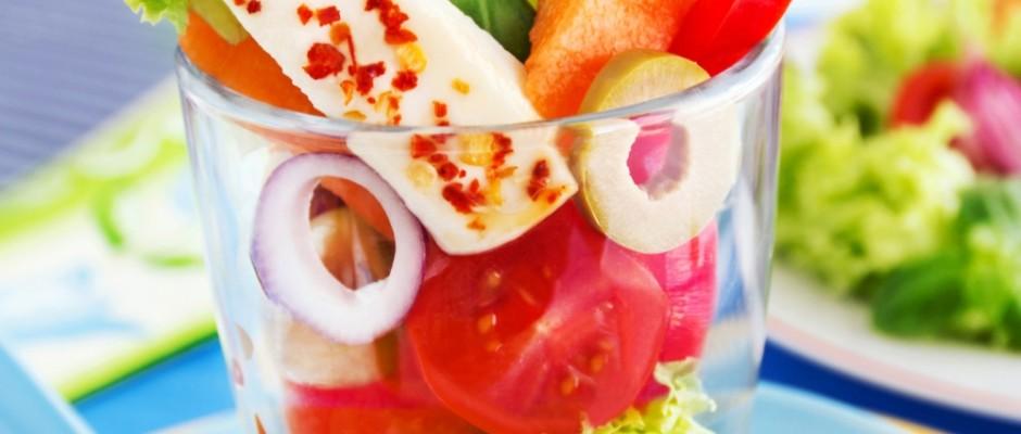 Nicht nur Antipasti, mediterrane Kräuter und knuspriges Ciabatta sind typisch italienisch, auch frische, knackige Salate sind der italienischen Küche nicht fremd und punkten häufig mit dem gewissen Etwas.