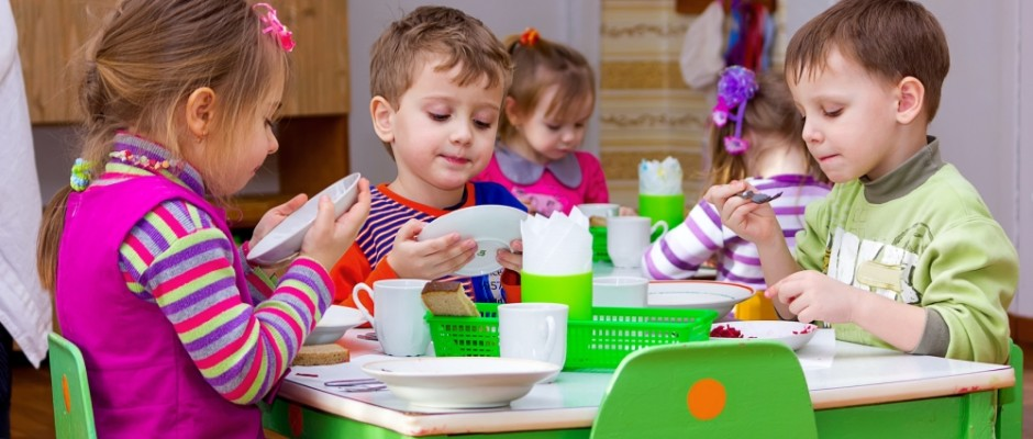 Die Ursache für die Erkrankung von 60 Kindern in vier Kitas in Wiesbaden und Idstein sind gefunden: Ein Labor hat Toxine in Farfalle-Nudeln gefunden.
