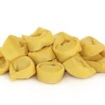 Ursprünglich wurden Tortellini lediglich für die Einlage in Suppen verwendet. Inzwischen sind die Nudeln eher universell in Rezepten verstreut.