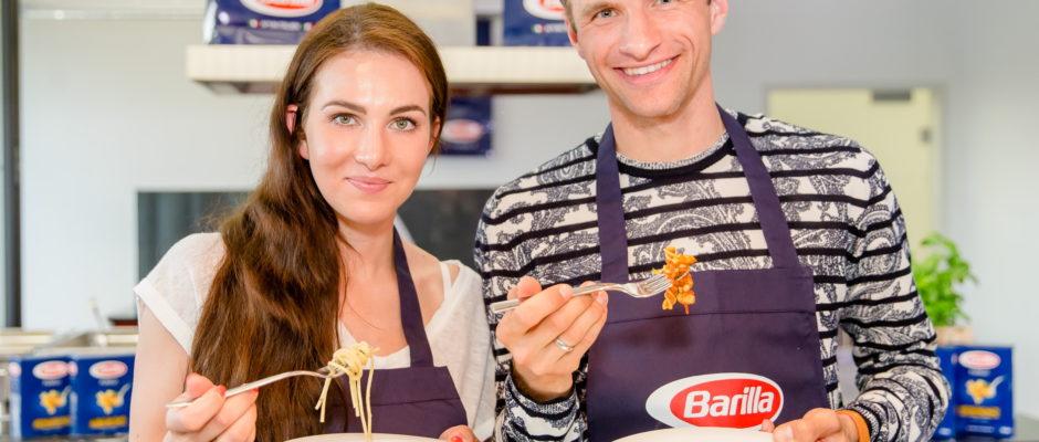"""""""Bravo füŸr dich!"""" lautet das Motto der neuen Kampagne, mit der Barilla europaweit die Menschen dazu aufruft, ihren Liebsten auf charmante Weise noch mehr Anerkennung zu schenken. Foto: obs/Barilla/Nadine Rupp/Ruppografie"""