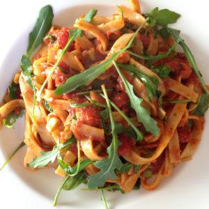 Tomaten-Rucola-Tagliatelle