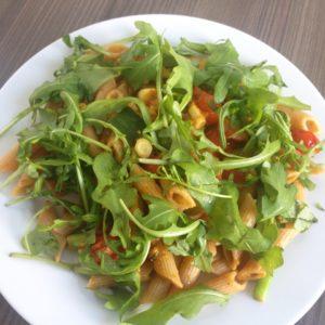 Vollkornnudeln mit Gemüse und Pesto