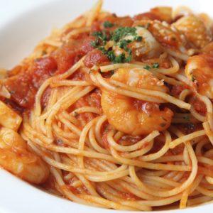 Garnelen-Tomatensoße zu Spaghetti