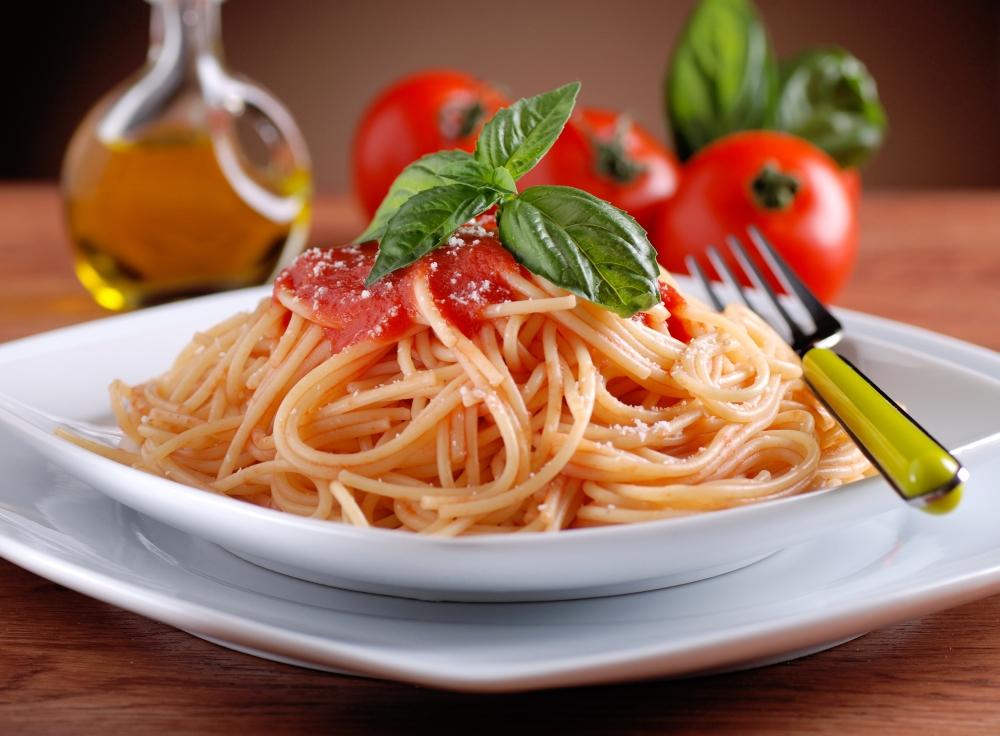 Pastasciutta - Spaghetti mit würziger Tomatensoße