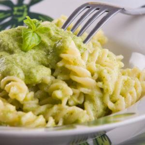 Zucchini-Sahnesoße zu Fusilli – Sugo zucchini e panna