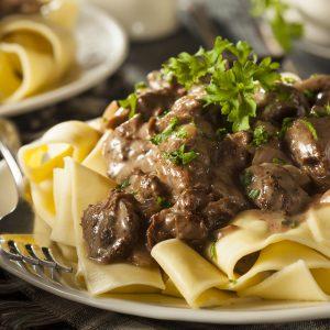 Bœff Stroganoff mit Pasta