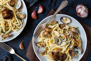 Linguine mit Venusmuscheln ist vor allem in den italienischen Küstenregionenein ein sehr beliebtes Gericht.